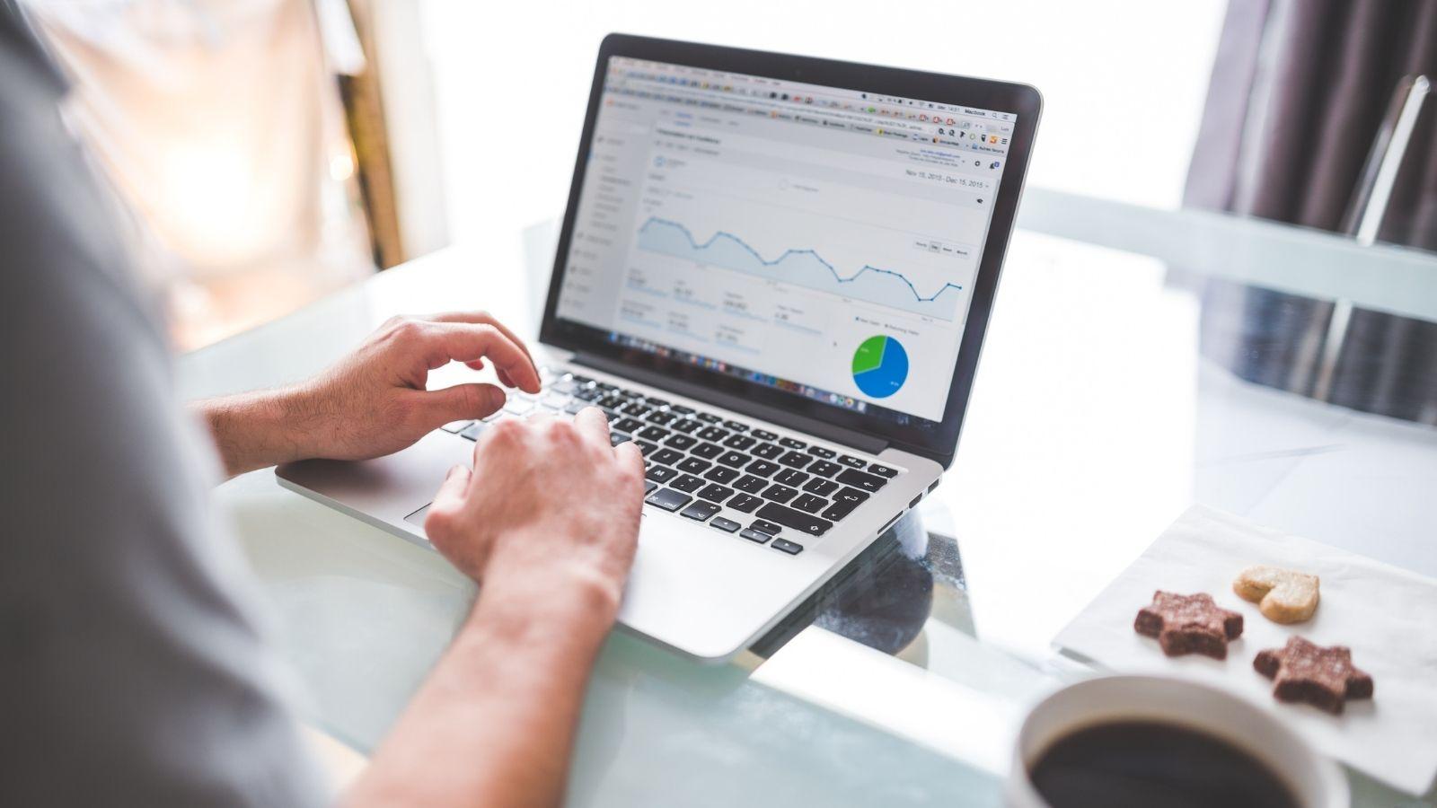 Cómo poner anuncios en Facebook y Google (y que funcionen)