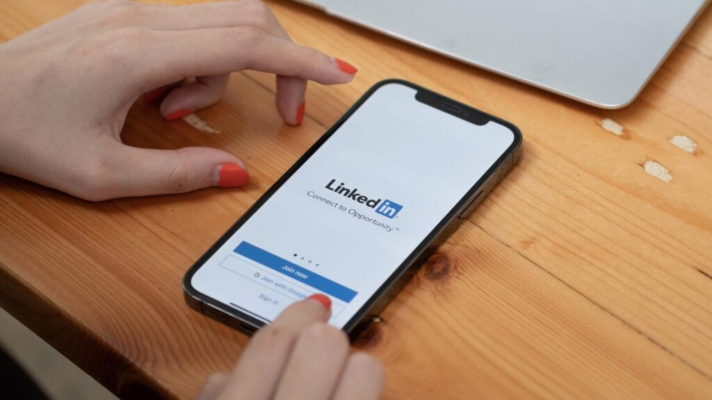 cómo aplicar LinkedIn a la estrategia de marketing de pequeños negocios